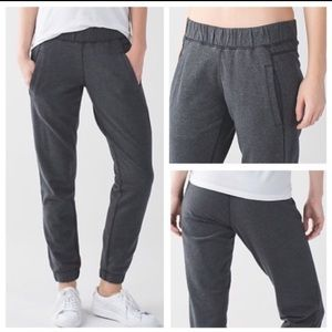 Lululemon Sattva Pant II- heathers black- as 8